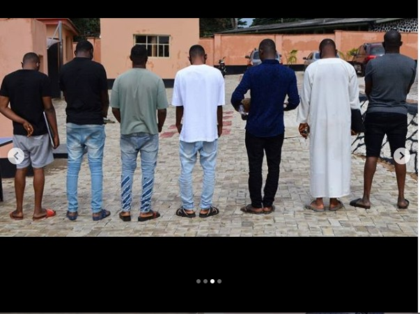 EFCC Arrests Brothers And Three Others For Internet Fraud In Ibadan