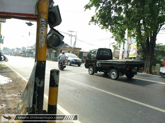 Traffic light tak terawat