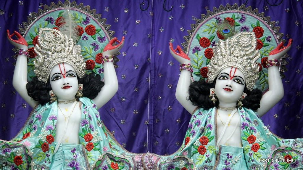 ISKCON Juhu Mangal Deity Darshan on 24th June 2016 (32)