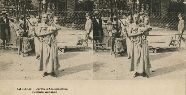 Mulher e criança são exibidas como seres inferiores em zoológico de Paris