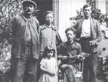 La famille Poisson, charpentiers de père en fils à Cour-Cheverny de 1905 à 2009
