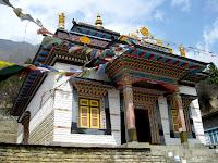Monastery in Upper Pisang
