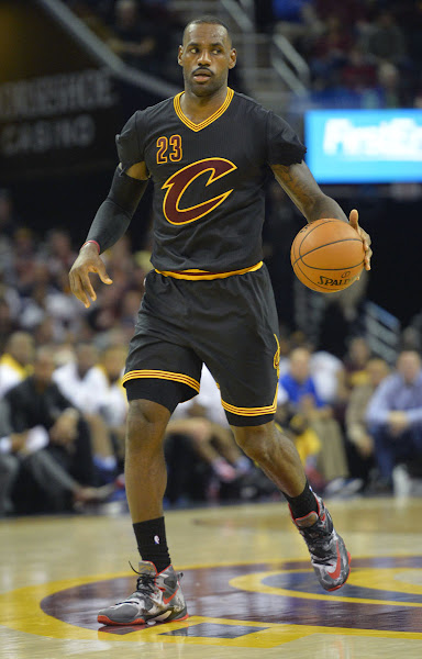 The King Rocks NIKEiD LBJ25K LeBron 13 and Tears Up His Sleeves