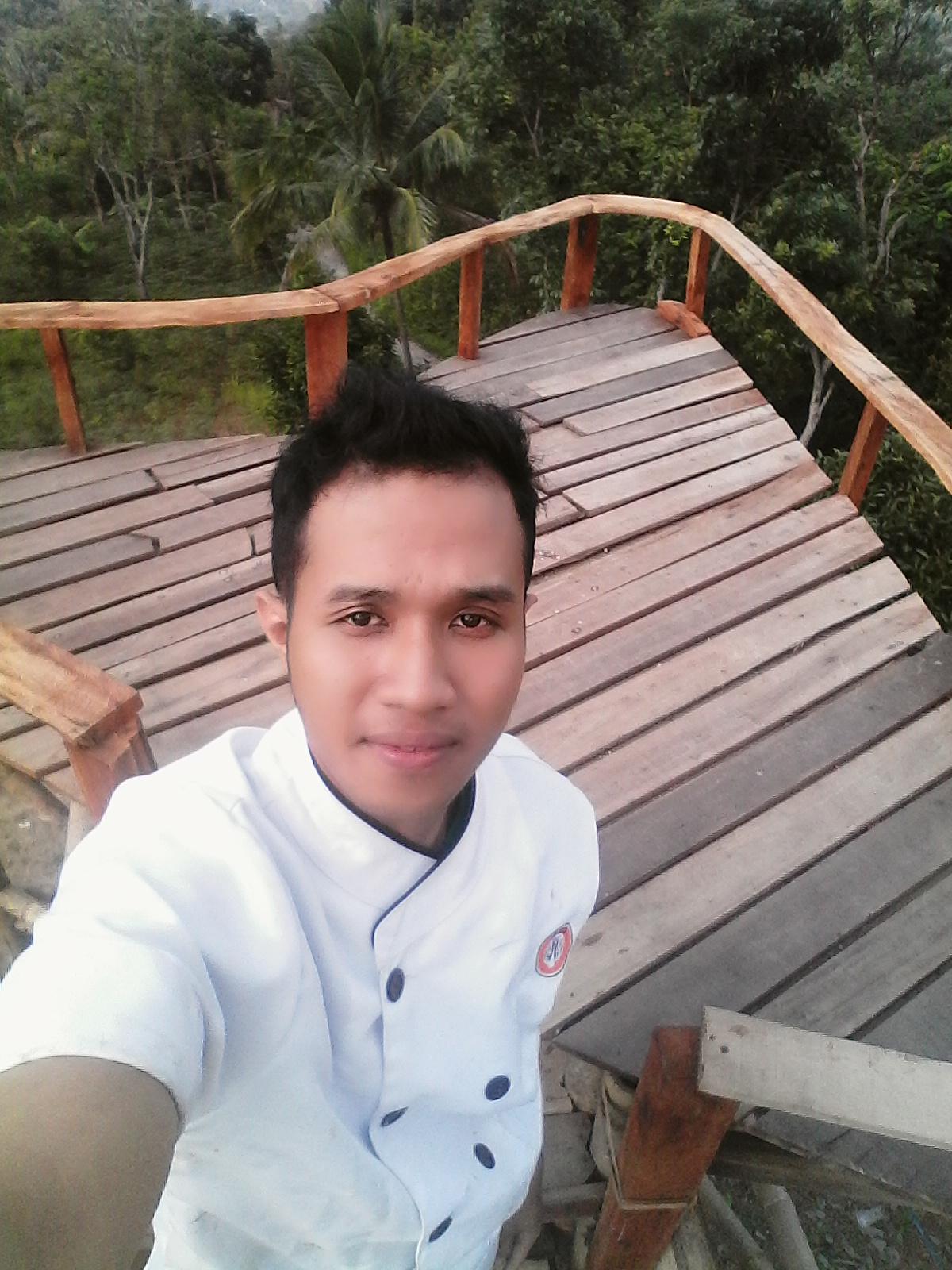 My Tasik Eksis Bukit Love Saritem Cineam Swafoto Kekinian Di