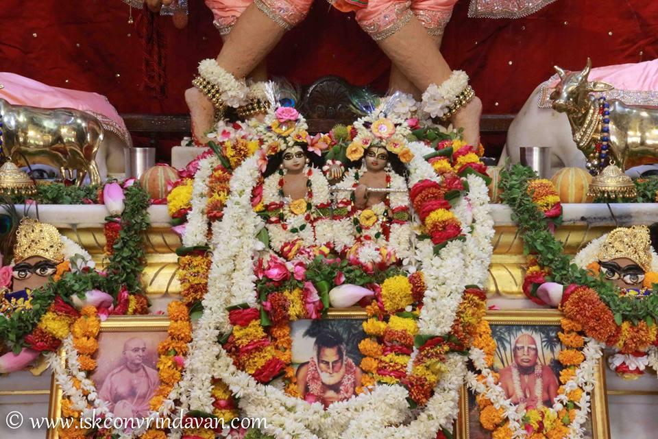 ISKCON Vrindavan Shringar Deity Darshan 29 May  2016 (23)