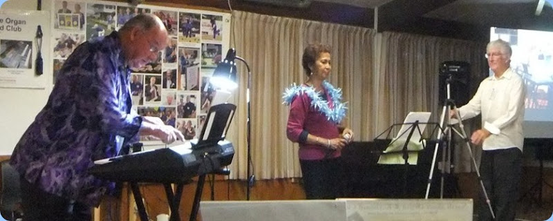 Joe Fingers playing his Yamaha PSR-S950 with Jill on vocals. Photo courtesy of Dennis Lyons.