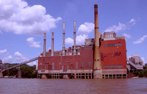 A photo of a coal plant on the Ohio River on July 23, 2006. And I wonder why the river tastes so bad. Photo by Nick Peyton.