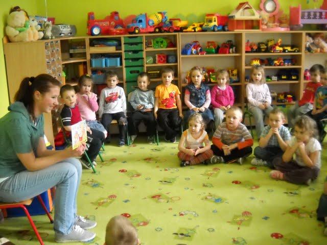 Czytanie w przedszkolu - DSCN1093.jpg