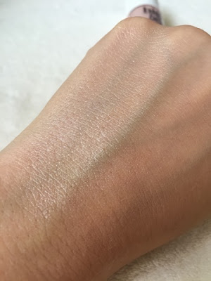 Benefit cosmetics highbeam highlighter swatch
