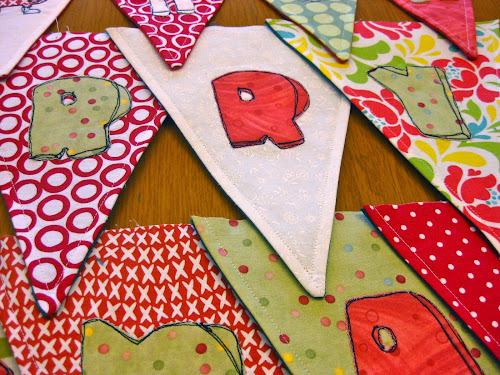 Christmas bunting tutorial - Raw edge free motion embroidery