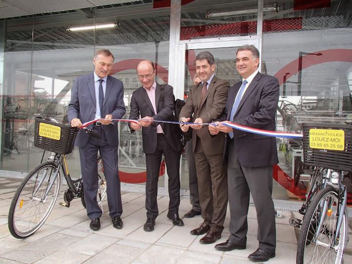 Mulhouse inauguration du garage v lo de la gare sncf for Garage de la gare pontault