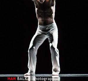 Han Balk Introdans FEEST-6092.jpg