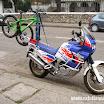 2014-06-13 11-50 Ciekawy sposób transportu roweru na motocyklu!.JPG
