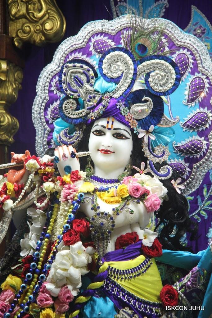 ISKCON Juhu Sringar Deity Darshan on 7th July 2016 (21)
