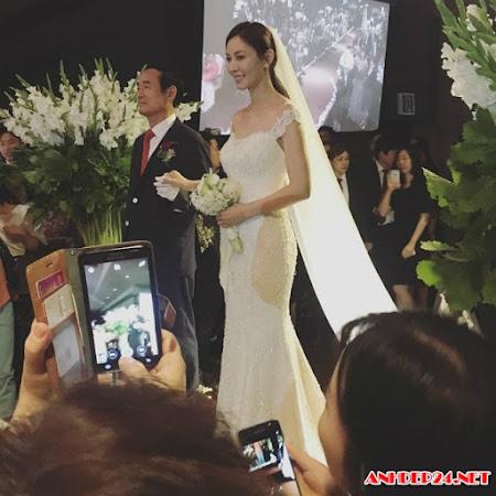 Những khoảnh khắc ngọt lịm trong đám cưới mỹ nhân Tình yêu trong sáng