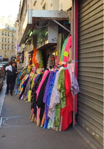 Marché saint pierre tissus Paris