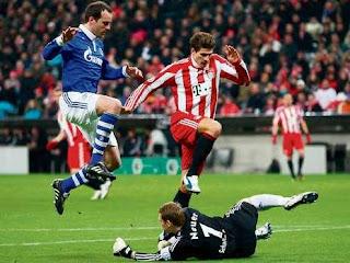 Copa de Alemania, Semifinal, Bayern Munich 0-1 Schalke 04, partido completo Dfb-pokal-halbfinale-neuer-gomez-19938622-mbqf,templateId=renderScaled,property=Bild,height=349