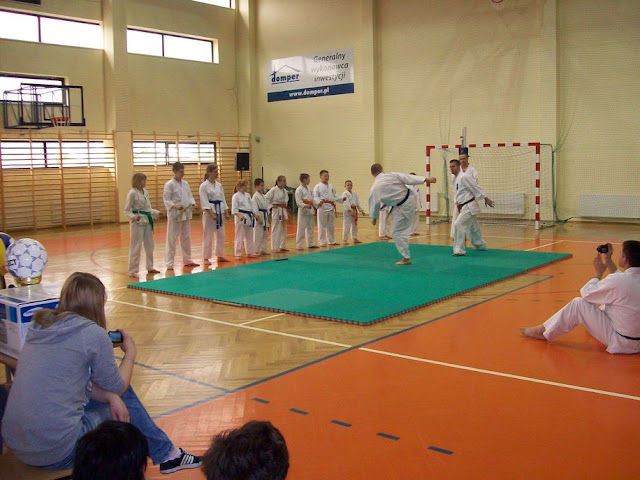 DO 2011 Pokaz karate - 100_0527_1.JPG