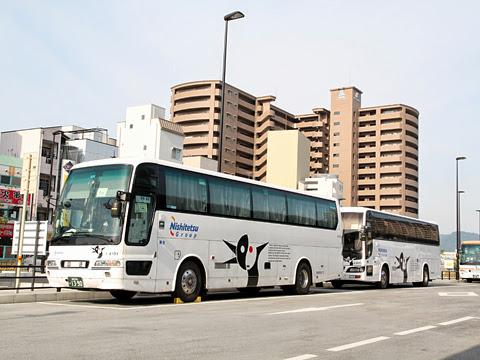 西鉄高速バス「さぬきエクスプレス福岡号」 4101&3802 高松駅高速BTにて