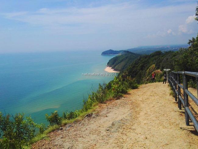 View cantik di puncak bukit kluang