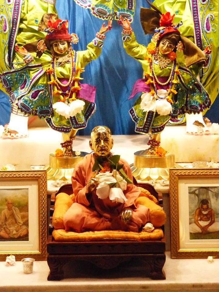 ISKCON New Govardhan Deity Darshan 01 Mar 2016 (31)