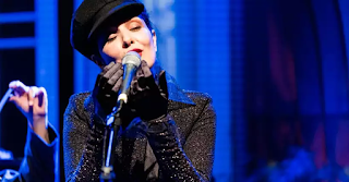 Letícia Sabatella investe na música com a  'Caravana tonteria'