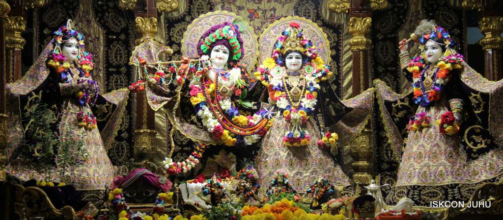ISKCON Juhu Sringar Deity Darshan 19 Dec 2015 (2)