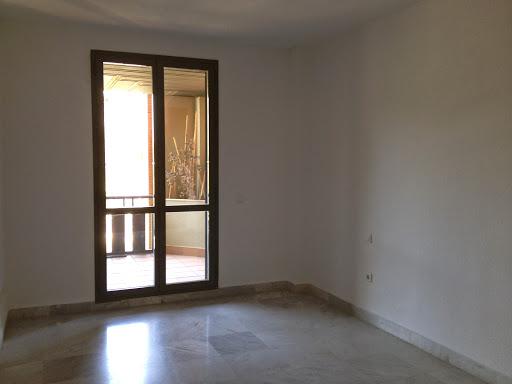 Piso en alquiler con 150 m2, 4 dormitorios  en Sur (Sevilla)