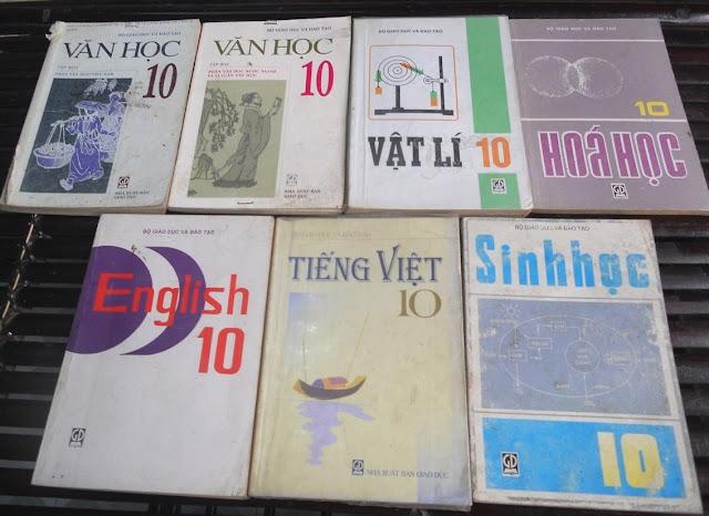Sách giáo khoa tiểu học cũ - nơi lưu giữ từng trang ký ức DSCN2740