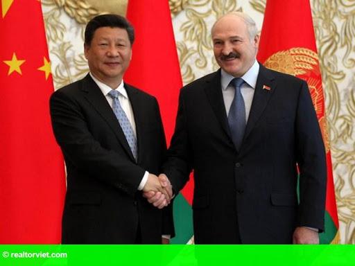 Hình 1: Belarus và Trung Quốc ký kết các thỏa thuận trị giá hàng tỷ USD