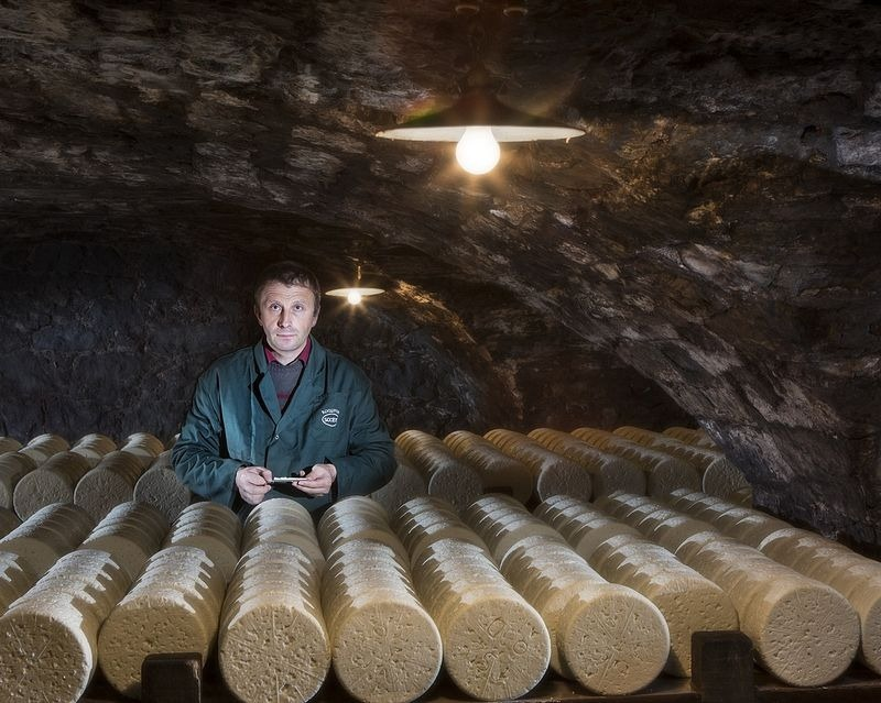 roquefort-cheese-cave-2