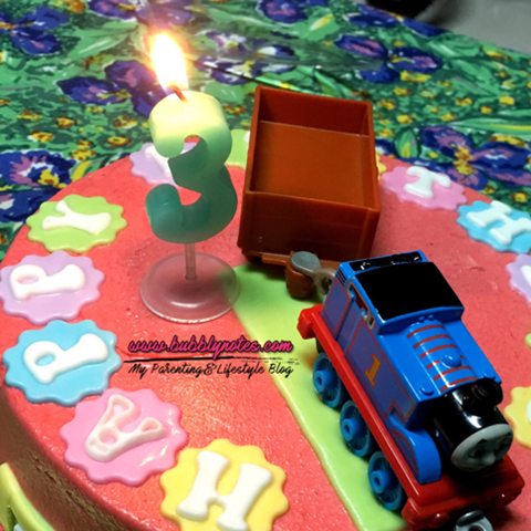 CUSTOMIZED THOMAS & FRIENDS CAKE BY VD.LICIOUS! 4