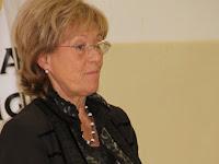 03 Dr. Komlósi Piroska családterapeuta  A család, mint a társadalom alapegysége és építőköve címmel tartotta meg előadását.jpg