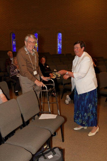 Charlie Hansen receiving the Bill Mumford Award for Technical Support