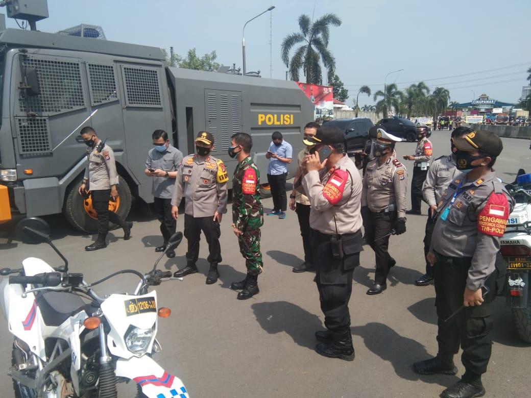 Dandim 0510/Trs Bersama Kapolresta Amankan Demo Buruh di Wilayah Pemkab Tangerang