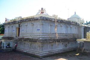 Thalaichangadu Temple Right Side View
