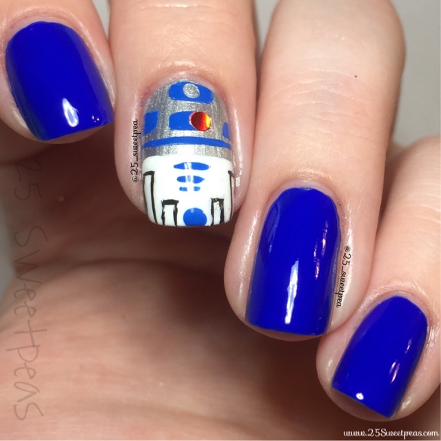 Star Wars: R2D2 Nails - 25 Sweetpeas