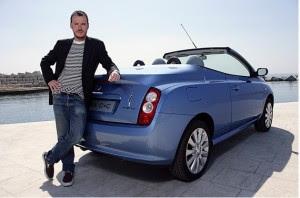 """El propio Jordi Labanda con """"su"""" Nissan Micra"""