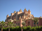 1280px-Atlantis_Resort_-_vista_lateral_(4128601565).jpg