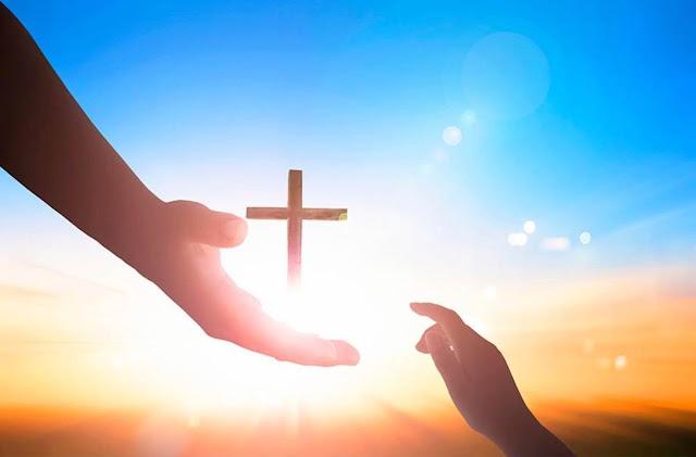 Thiên Chúa là Tình Yêu | ngọn lửa nhỏ