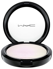 mac-inthespotlight-extradimensionskinfinish-softfrost