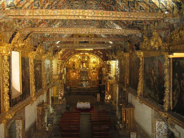 interior de la Iglesia de Andahuaylillas Cusco