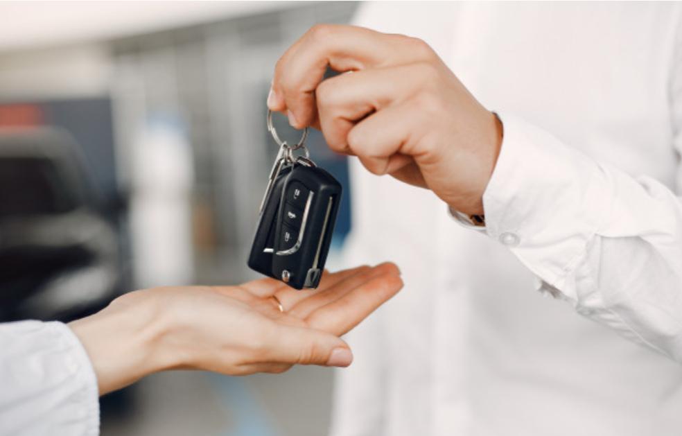 4 Tips Untuk Mendapatkan Penawaran Saat Kredit Mobil