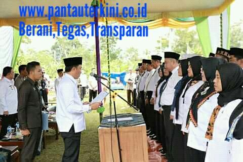 Bupati Parosil Lantik kepala sekolah dan pengawas Lampung Barat