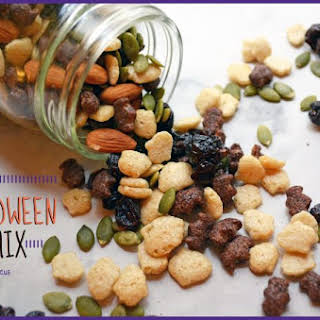 Spooky Halloween Trail Mix {vegan, gluten free}.