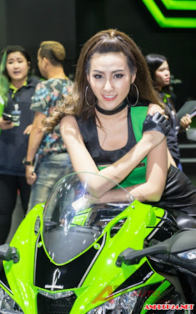 Dàn chân dài nóng bỏng tại Bangkok Moto Show