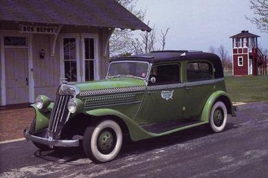 Checker 1935 Model Y