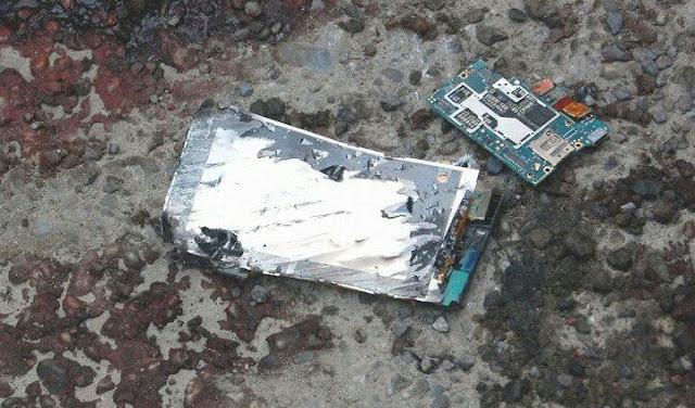 बैटरी जीभ से लगाते ही हुआ ब्लास्ट मोबाइल, 12 साल के किशोर की मौत