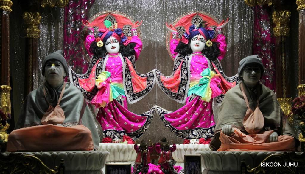 ISKCON Juhu Mangla Deity Darshan 18 Dec 2015 (6)