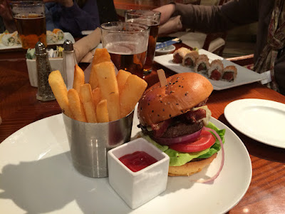 Høy hamburger.